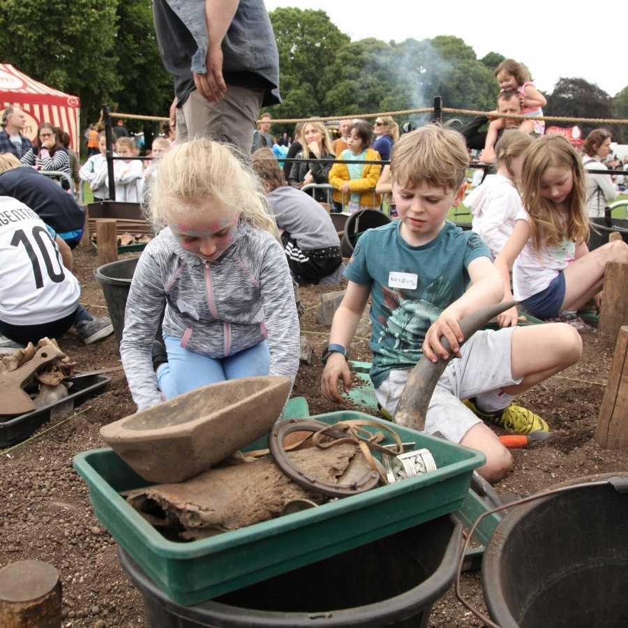 The School of Irish Archaeology The Big Dig